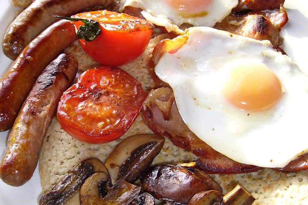 Holly-Meadow-Farm-breakfast3